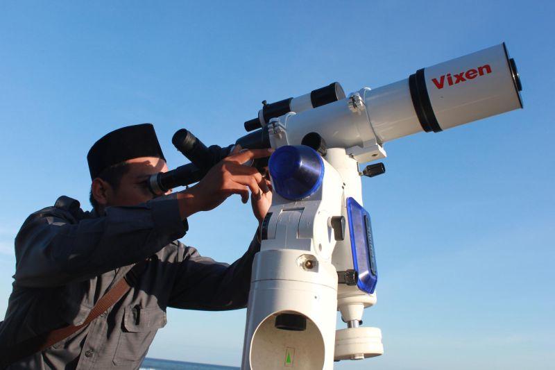 https: img.okezone.com content 2021 05 26 16 2415687 gerhana-bulan-total-bmkg-lakukan-pengamatan-di-seluruh-wilayah-indonesia-HWdldJwEGK.jpg