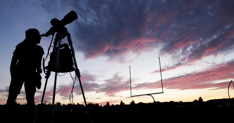 https: img.okezone.com content 2021 05 26 16 2415730 5-lokasi-terbaik-menyaksikan-gerhana-bulan-total-di-jakarta-dan-sekitarnya-da8EqitORe.jpg