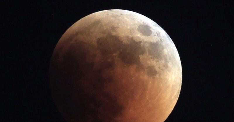 https: img.okezone.com content 2021 05 26 16 2415808 fakta-fakta-menarik-gerhana-bulan-total-termasuk-julukan-lucunya-ZhcSMcY7tS.jpg