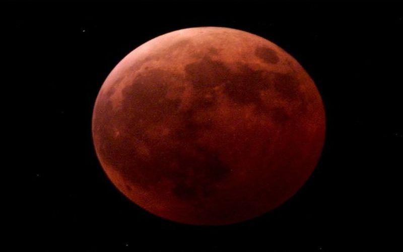 https: img.okezone.com content 2021 05 26 16 2415922 gerhana-bulan-total-jadi-penguat-fakta-bumi-itu-bulat-zEs1KgpbSf.jpg