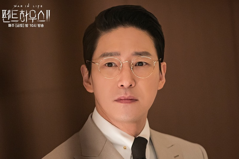 https: img.okezone.com content 2021 05 26 206 2415776 episode-9-the-penthouse-2-joo-dan-te-pegang-rahasia-putri-cheon-seo-jin-zRzqyV5BSS.jpg