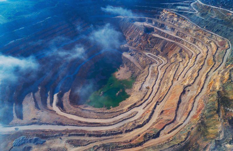 https: img.okezone.com content 2021 05 27 320 2416111 perusahaan-tambang-emas-diminta-lebih-serius-kejar-target-produksi-lR6WO2SGgq.jpg