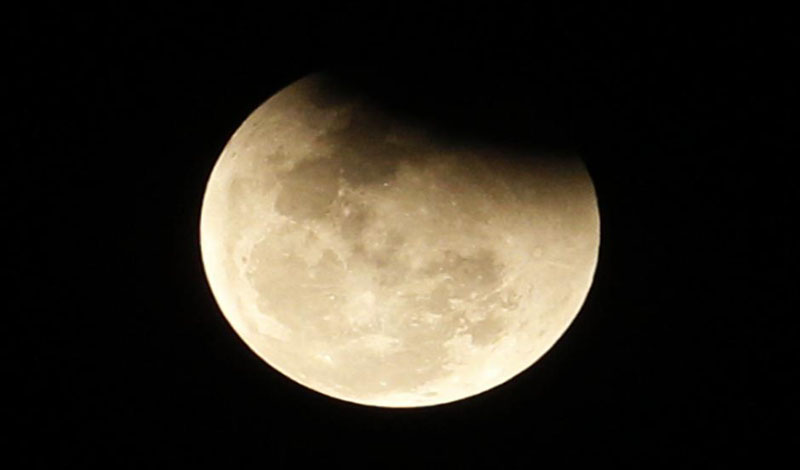 https: img.okezone.com content 2021 05 27 330 2416061 benarkah-intensitas-gerhana-bulan-semakin-sering-sebagai-tanda-hari-kiamat-semakin-dekat-XTaCwtIenZ.jpg