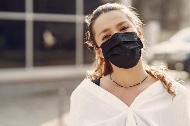 https: img.okezone.com content 2021 05 27 481 2416065 cek-fakta-pakai-masker-berisiko-terinfeksi-jamur-hitam-oA60AZa2yn.jpg