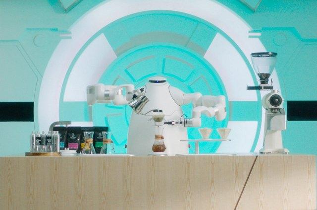https: img.okezone.com content 2021 05 28 16 2417053 dilatih-ribuan-jam-robot-ini-bisa-seduh-kopi-seenak-barista-profesional-fc1CLBxx0V.jpg