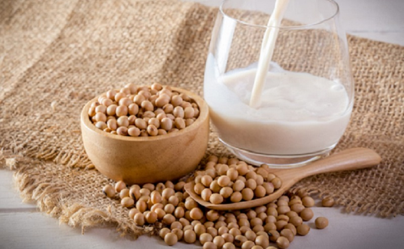 https: img.okezone.com content 2021 05 28 298 2416766 5-rekomendasi-makanan-berprotein-tinggi-untuk-vegetarian-EwCUDhVKhY.jpg