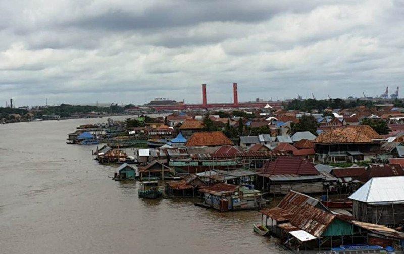 https: img.okezone.com content 2021 05 28 406 2416741 kembangkan-wisata-kampung-air-di-pulau-kemaro-sejumlah-fasilitas-pendukung-dibangun-48SNnHmklI.jpg