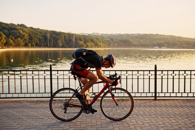 https: img.okezone.com content 2021 05 28 481 2416775 4-jenis-peregangan-untuk-atasi-nyeri-otot-setelah-bersepeda-c0zpJBClG1.jpeg