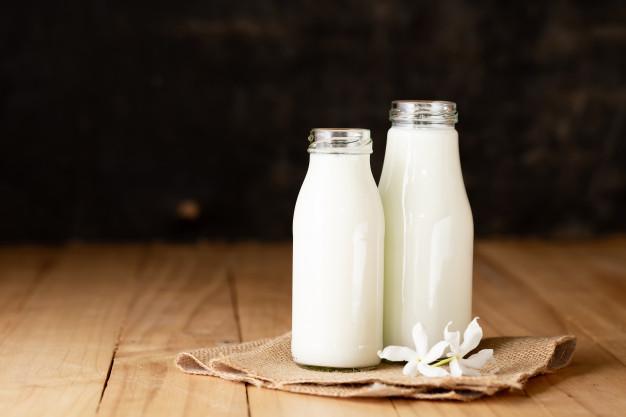 https: img.okezone.com content 2021 05 28 481 2417047 studi-minum-segelas-susu-setiap-hari-kurangi-risiko-sakit-jantung-Dy8H4Ewwmg.jpg