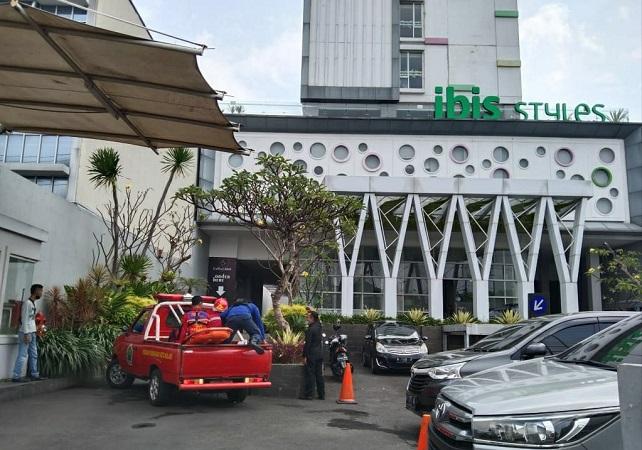 https: img.okezone.com content 2021 05 28 519 2416951 polisi-selidiki-tewasnya-mekanik-terjepit-lift-di-hotel-malang-qaF5jSPYAq.jpg