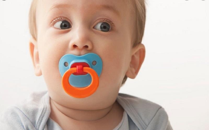 https: img.okezone.com content 2021 05 28 612 2416841 di-usia-berapa-anak-harus-berhenti-menggunakan-dot-8zulIaRibI.jpg