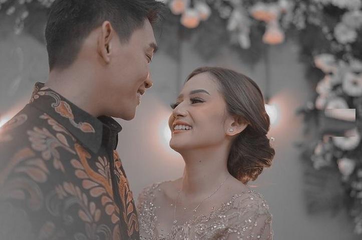https: img.okezone.com content 2021 05 29 33 2417189 ifan-seventeen-dan-citra-monica-resmi-menikah-9V3KNaTnep.jpg