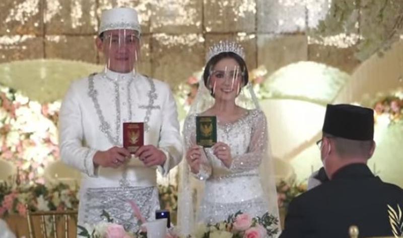 https: img.okezone.com content 2021 05 29 330 2417181 ifan-seventeen-citra-monica-resmi-jadi-pasutri-ini-hikmah-menikah-gxan3gXWcA.jpg