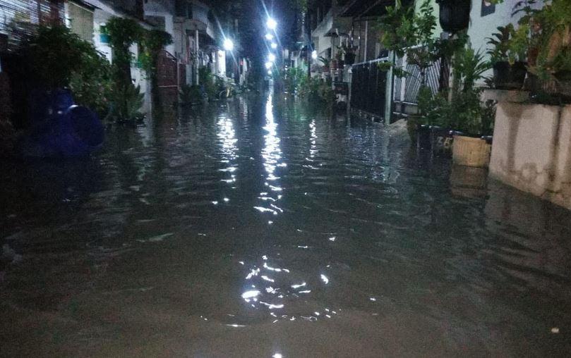 https: img.okezone.com content 2021 05 29 338 2417336 tujuh-wilayah-di-bekasi-diterjang-banjir-berikut-lokasinya-wh7rkLbZBK.JPG