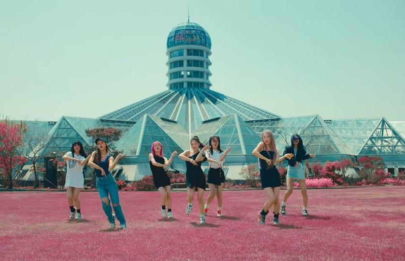 https: img.okezone.com content 2021 05 30 205 2417488 dun-dun-dance-lompat-ke-puncak-gaon-chart-nct-dream-terdepak-dari-10-besar-uKNyIbR0pv.jpg
