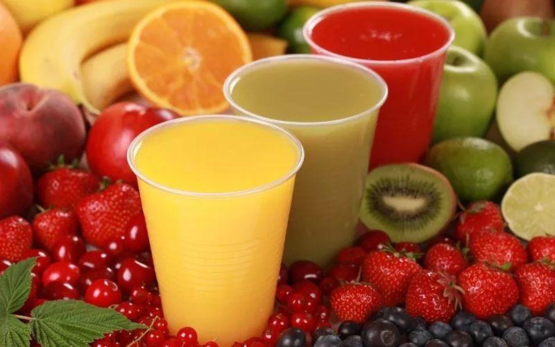 https: img.okezone.com content 2021 05 30 298 2417567 5-minuman-rendah-kalori-cocok-dikonsumsi-saat-diet-IXbX816NpY.jpg