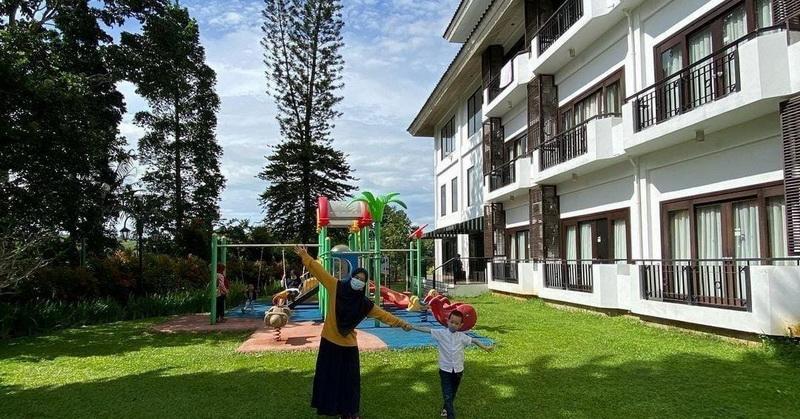https: img.okezone.com content 2021 05 30 408 2417611 riset-tunjukkan-74-persen-turis-rindukan-wisata-lido-lake-resort-diburu-pengunjung-ZuXwMMqHxB.jpg