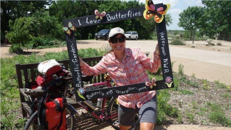 https: img.okezone.com content 2021 05 31 18 2417701 wanita-ini-rela-bersepeda-16-000-kilometer-demi-ikuti-kupu-kupu-dari-meksiko-hingga-kanada-bZ9t2BPVMD.jpg