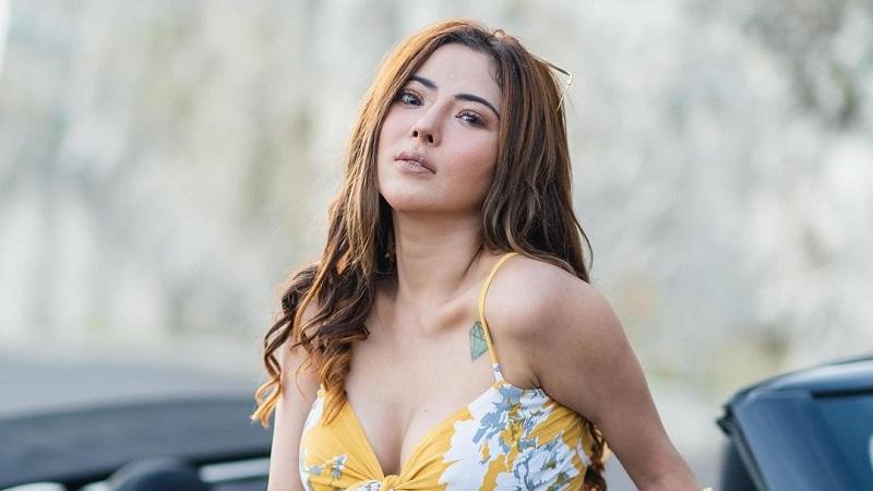 https: img.okezone.com content 2021 05 31 194 2417899 5-potret-cantik-ayu-aulia-model-seksi-yang-gosipnya-didekati-vicky-prasetyo-Y4vZcGcceq.jpg