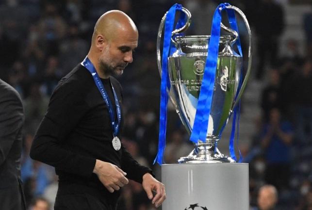 https: img.okezone.com content 2021 05 31 261 2417826 man-city-gagal-juara-liga-champions-carragher-guardiola-terlalu-khawatirkan-banyak-hal-xm9YmtwjBU.jpg