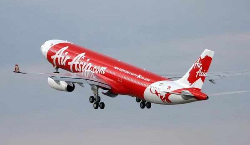 Keuangan AirAsia Seret, Maskapai Miliarder Tony Fernandes Cari Utang Rp8,6 Triliun