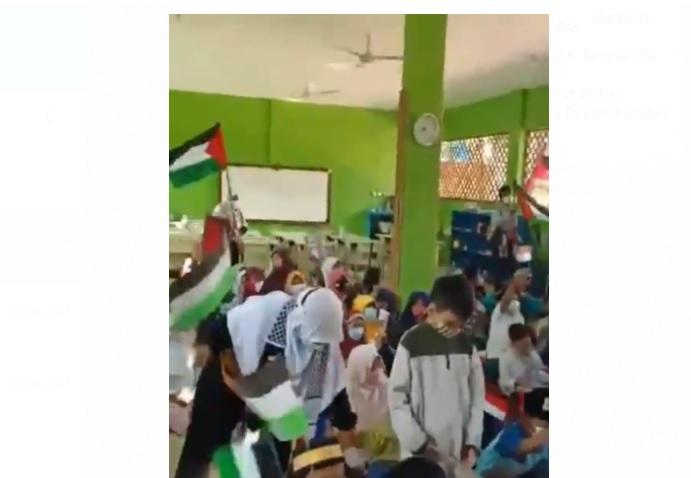 https: img.okezone.com content 2021 05 31 337 2418109 viral-guru-paud-ajarkan-muridnya-berjihad-dan-kibarkan-bendera-palestina-PBLA5prTx6.jpg