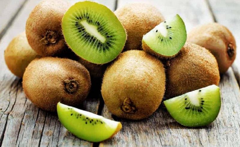 https: img.okezone.com content 2021 06 01 298 2418514 butuh-vitamin-c-dosis-tinggi-coba-konsumsi-3-jenis-buah-ini-WR0H9WzmIk.jpg