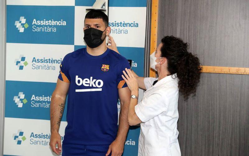 https: img.okezone.com content 2021 06 01 46 2418253 sergio-aguero-barcelona-adalah-klub-terbaik-di-dunia-0rfmDLgz76.jpg
