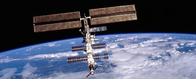 https: img.okezone.com content 2021 06 02 16 2418689 stasiun-luar-angkasa-internasional-berlubang-usai-dihantam-sampah-antariksa-Tj3H06F5SW.jpg