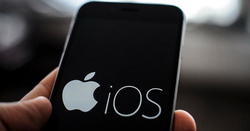 https: img.okezone.com content 2021 06 02 16 2418883 pengguna-iphone-keluhkan-update-ios-14-6-bikin-boros-baterai-xxXOiFBQ6A.jpg