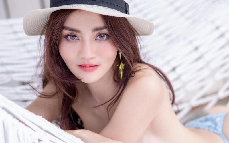 https: img.okezone.com content 2021 06 02 194 2419110 5-gaya-cherry-ladapa-model-seksi-yang-diserbu-netizen-62-karena-foto-tanpa-busana-rsZu3ItYY9.jpg