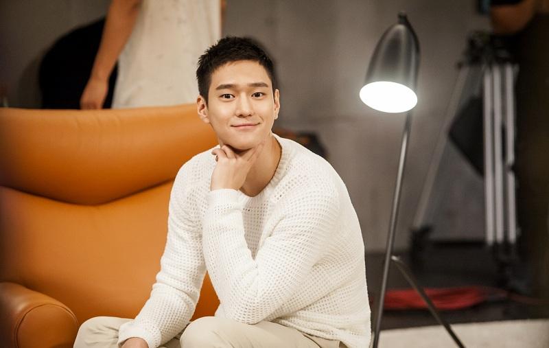 https: img.okezone.com content 2021 06 02 206 2418894 jadi-cameo-go-kyung-pyo-dan-lee-hyeri-reuni-dalam-my-roommate-is-a-gumiho-INUap6nVMC.jpg