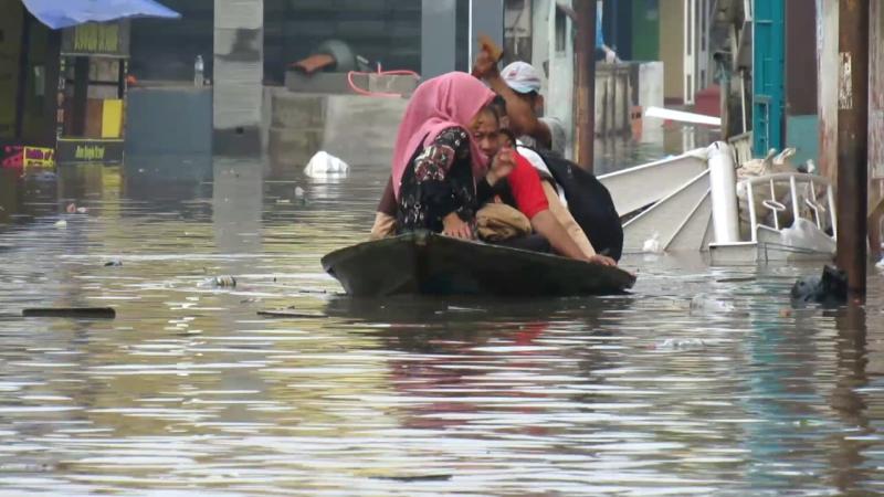 https: img.okezone.com content 2021 06 03 337 2419396 peringatan-dini-bmkg-waspada-banjir-di-aceh-jakarta-jabar-dan-jateng-hari-ini-XEsmJOgvaC.png