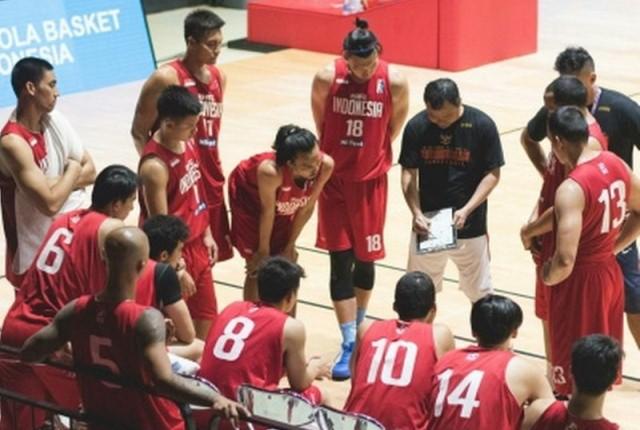 https: img.okezone.com content 2021 06 03 36 2419815 timnas-basket-indonesia-matangkan-persiapan-jelang-tampil-di-fiba-asian-cup-2021-23RWWIFVd6.jpg