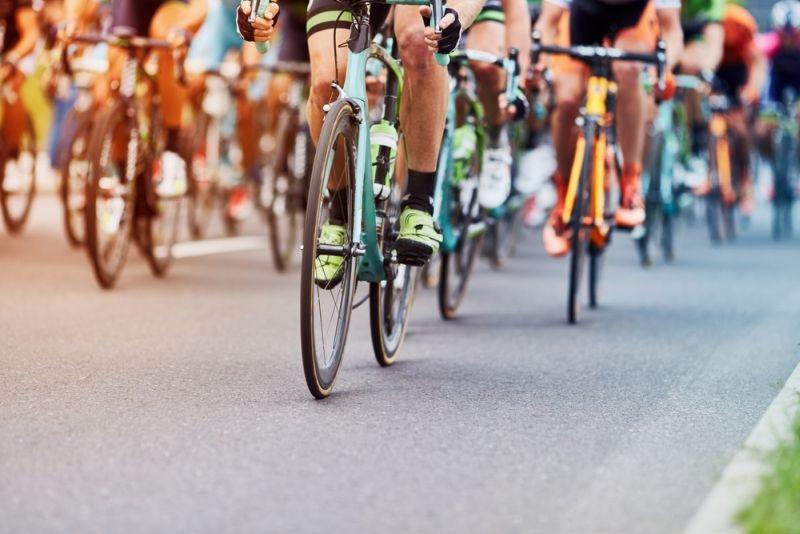 https: img.okezone.com content 2021 06 03 43 2419742 4-teknik-bersepeda-road-bike-nomor-1-paling-penting-vqdinilgCY.jpg