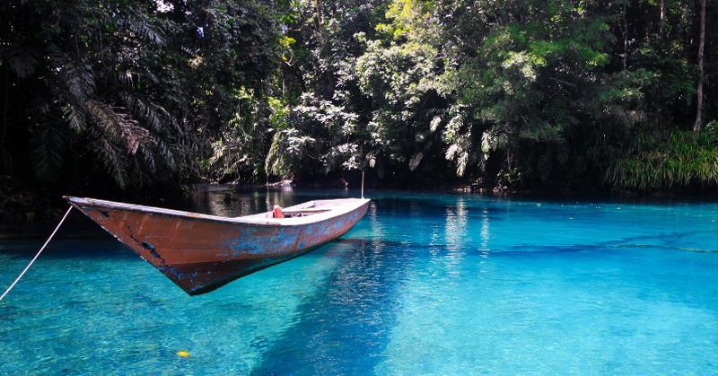 https: img.okezone.com content 2021 06 04 408 2420395 kunjungi-pesona-danau-labuan-cermin-airnya-punya-dua-rasa-BH8NHUJDv4.jpg