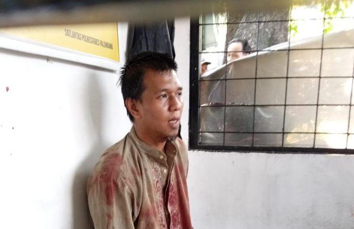 https: img.okezone.com content 2021 06 04 610 2420410 penusuk-anggota-satlantas-polrestabes-palembang-ngaku-teroris-dKOZc55muN.jpg