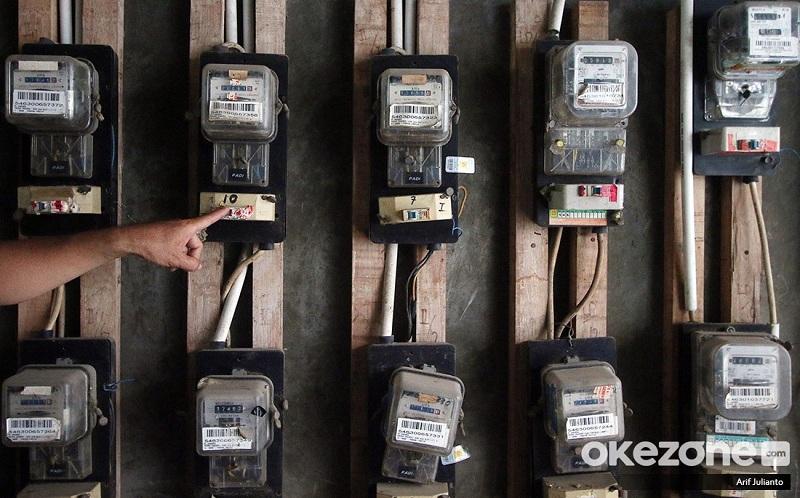 https: img.okezone.com content 2021 06 05 320 2420675 stimulus-listrik-disetop-bagaimana-golongan-450-va-dan-umkm-hadapi-covid-19-iOww0M1Vy2.jpg