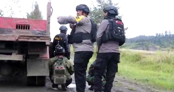 https: img.okezone.com content 2021 06 05 340 2420476 pasca-baku-tembak-pasukan-gabungan-kuasai-bandara-aminggaru-ilaga-papua-7sz0DtdHB0.jpg