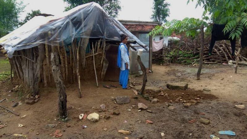 https: img.okezone.com content 2021 06 06 18 2421027 kisah-pilu-perempuan-india-diasingkan-ke-gubuk-menstruasi-karena-dianggap-najis-e3fxINtUq0.jpg