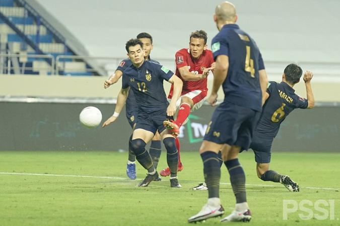 https: img.okezone.com content 2021 06 06 51 2420887 4-pemain-timnas-indonesia-ini-dinilai-menyebalkan-oleh-vietnam-siapa-saja-4mCVpM0gal.jpg