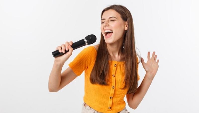 https: img.okezone.com content 2021 06 06 612 2420890 5-zodiak-ini-terkenal-punya-suara-merdu-berbakat-jadi-penyanyi-hebat-YDb9XwPenY.jpg
