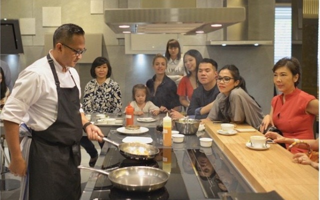 https: img.okezone.com content 2021 06 06 612 2421051 chef-degan-ungkap-chef-juna-punya-keahlian-lebih-di-masakan-jepang-195Rk30sOw.jpg