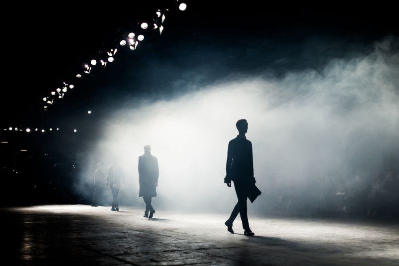 https: img.okezone.com content 2021 06 07 194 2421330 terapkan-fashion-ramah-lingkungan-pekan-mode-paris-bakal-gunakan-alat-pengukur-jejak-karbon-FIboEnAcrT.jpg