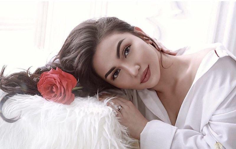 https: img.okezone.com content 2021 06 07 33 2421637 ariel-tatum-menggoda-dengan-sexy-dress-netizen-cantik-banget-jodoh-orang-8pKuVq8dr0.jpg