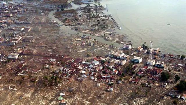 https: img.okezone.com content 2021 06 07 337 2421144 jangan-panik-sikapi-isu-potensi-gempa-magnitudo-8-7-dan-tsunami-29-meter-TbhgnR4LD5.jpg