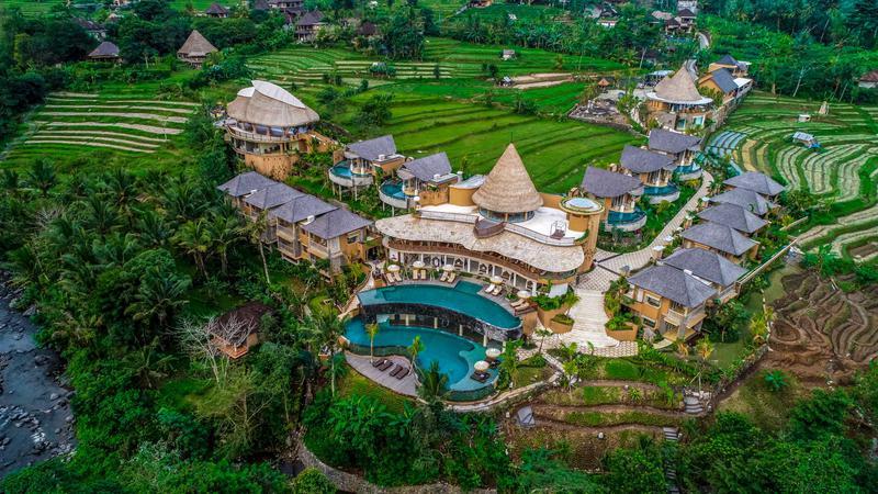 https: img.okezone.com content 2021 06 07 408 2421580 hotel-indonesia-ini-tempati-peringkat-6-terbaik-dunia-U5KB04pX6f.jpg