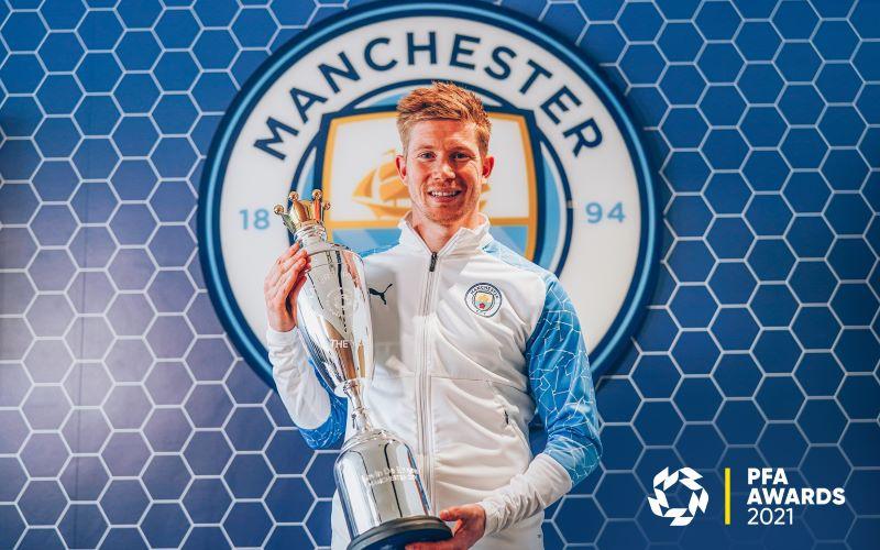 https: img.okezone.com content 2021 06 07 45 2421101 kevin-de-bruyne-terpilih-sebagai-pfa-player-of-the-year-liga-inggris-2020-2021-qyt6yPaDmk.jpg