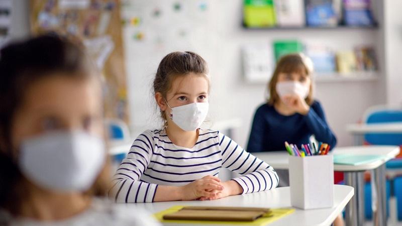 https: img.okezone.com content 2021 06 07 481 2421311 bolehkah-anak-dengan-penyakit-komorbid-sekolah-tatap-muka-E4E9ja2zE1.jpg