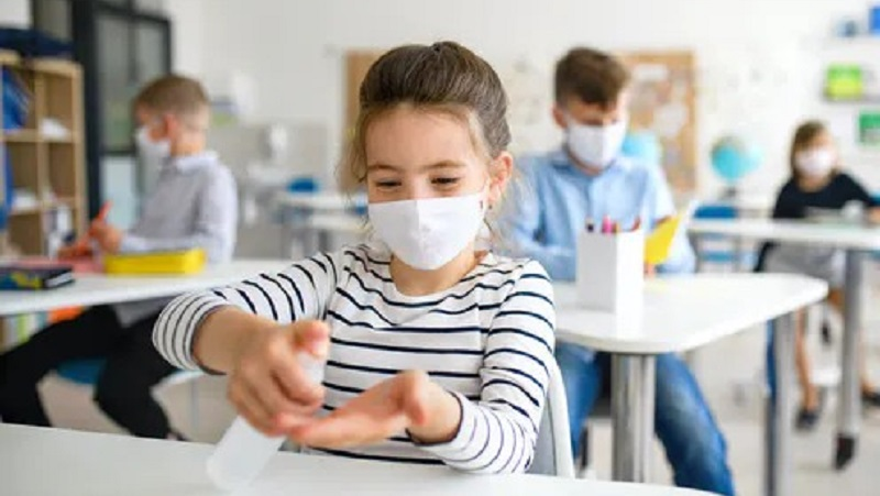 https: img.okezone.com content 2021 06 07 481 2421382 5-tips-aman-sekolah-tatap-muka-di-tengah-pandemi-covid-19-qLY2G6O3s0.jpg